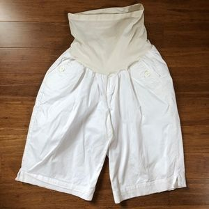 Oh Baby by Motherhood | White Maternity Shorts  XL